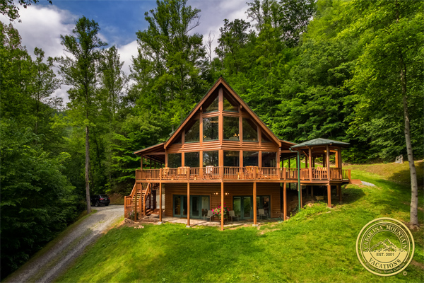 A Blessing Log Cabin is a large Nantahala getaway cabin with two game rooms