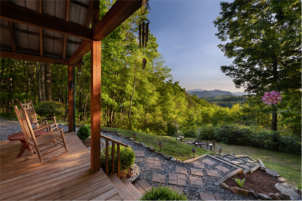 Mountain Hideaway log cain in bryson city nc